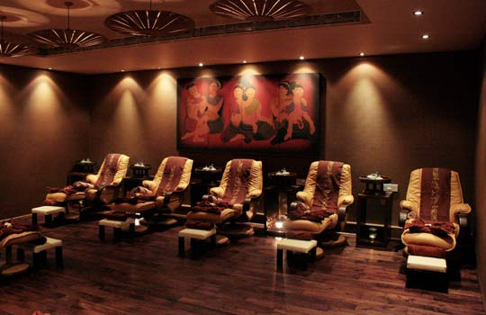 enjoy all the store facilities of thai spa at alipore enclave. Black Bedroom Furniture Sets. Home Design Ideas
